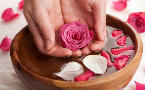 7 Benefits Of Rose Water That Will Change Your Life + Diy Beauty Recipes